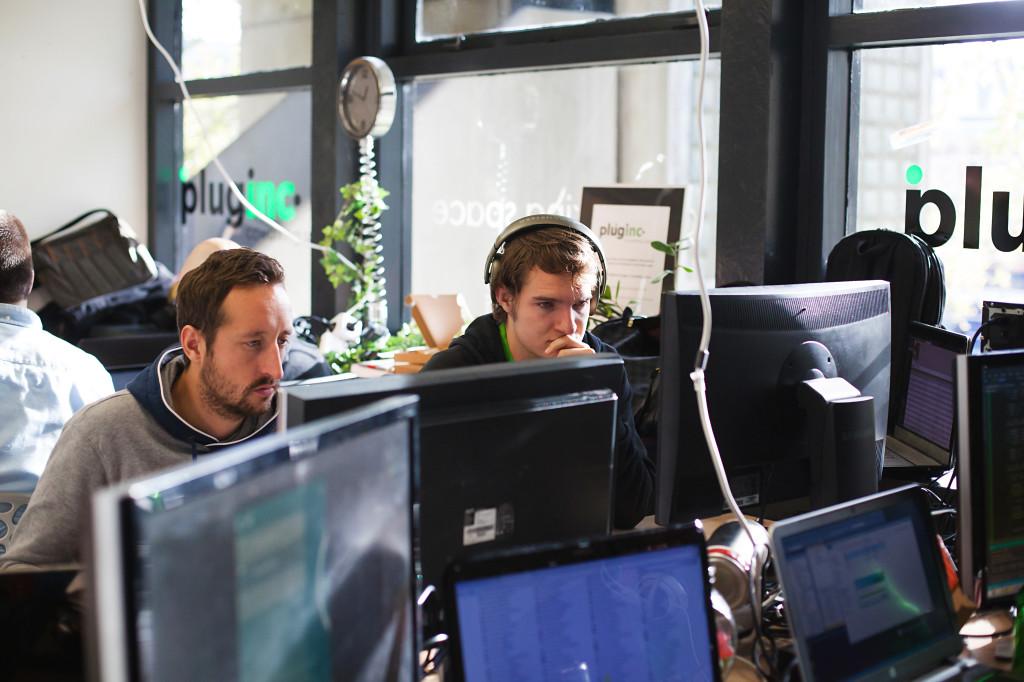 Code3 leden in Team Skylark hard aan het werk, AppsForEnergy - Hackaton.